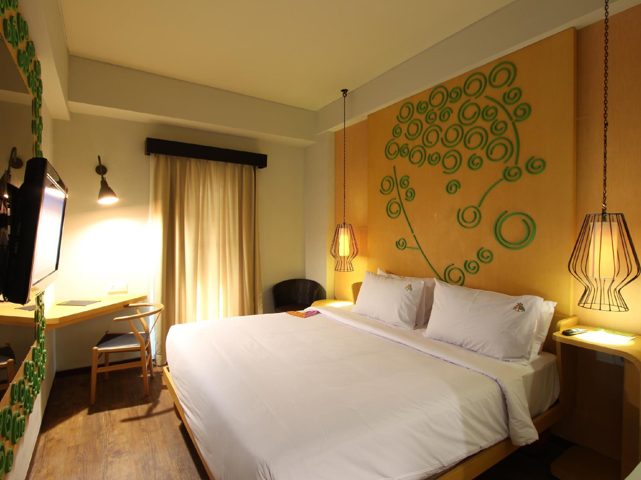 Maxone Hotel Legian