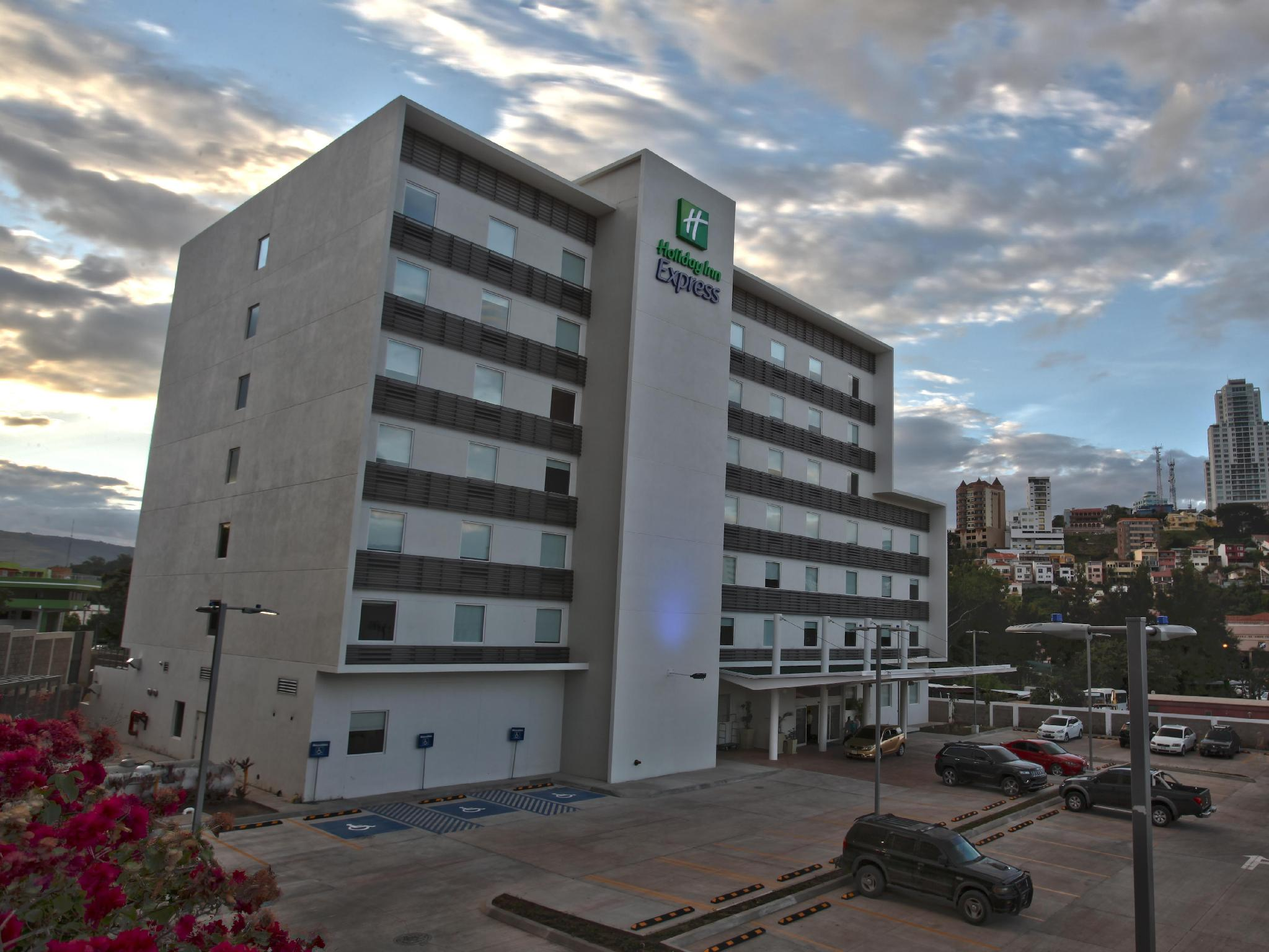 Holiday Inn Express Tegucigalpa - Hotels and Accommodation in Honduras, Central America And Caribbean