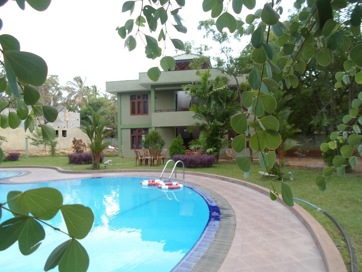 Hotel Lihini Village - Hotels and Accommodation in Sri Lanka, Asia