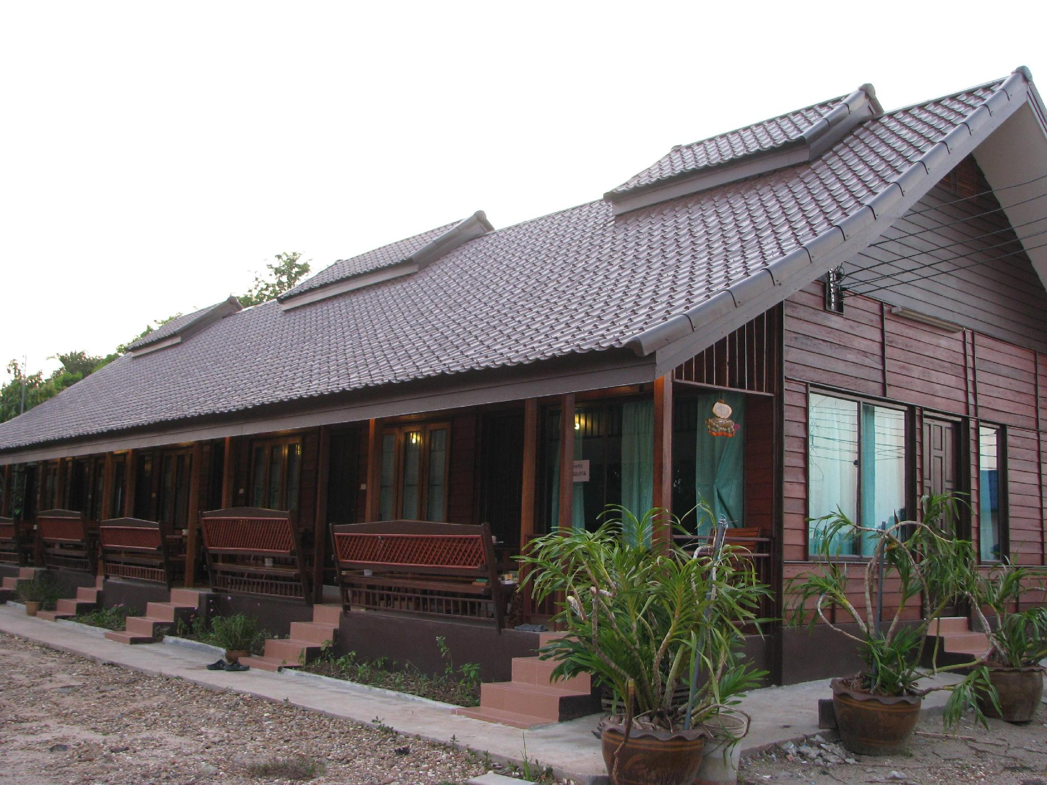 Huenrewrabeing Guesthouse - Bueng Kan