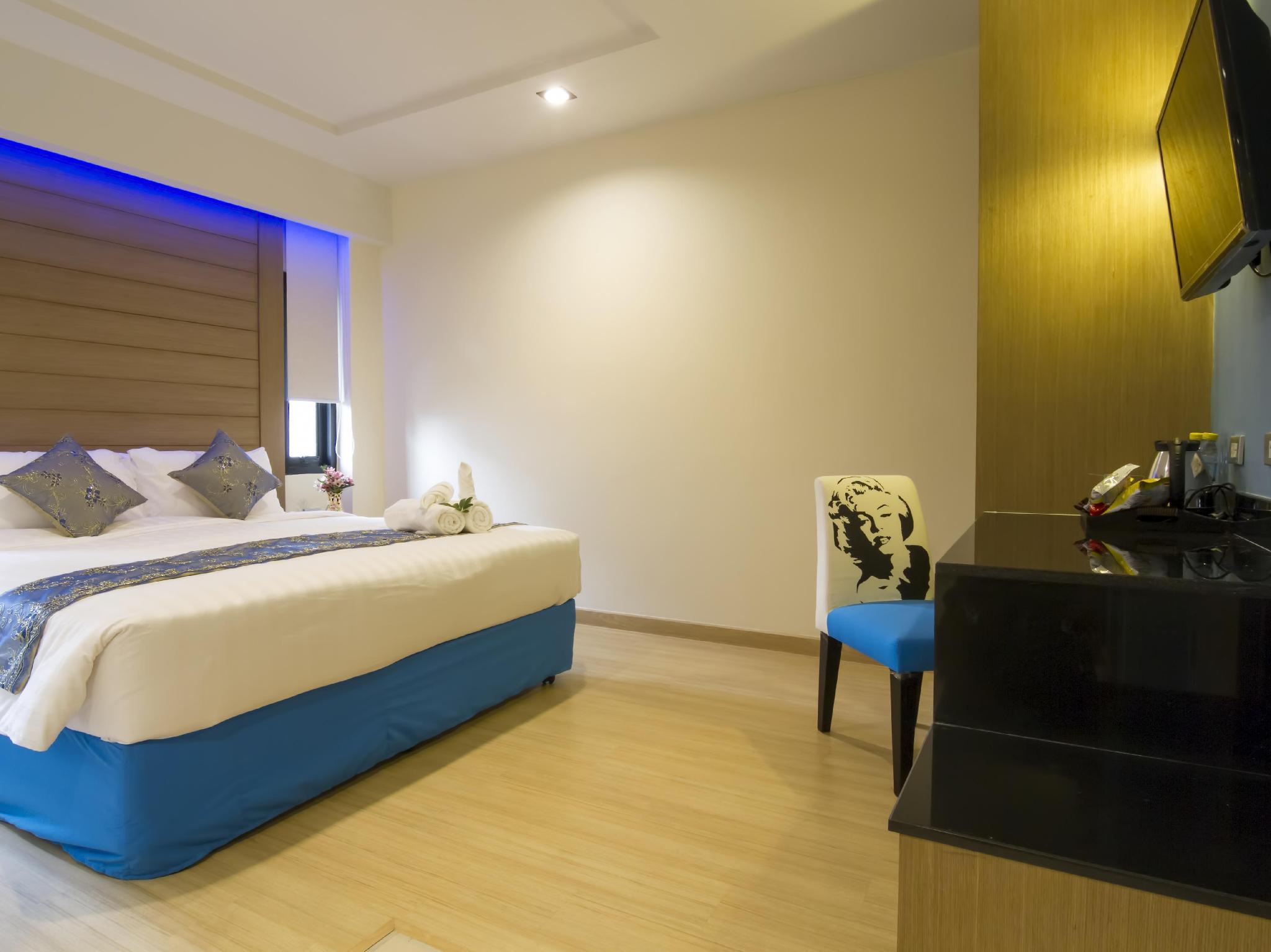 Eleven Avenue Suites3