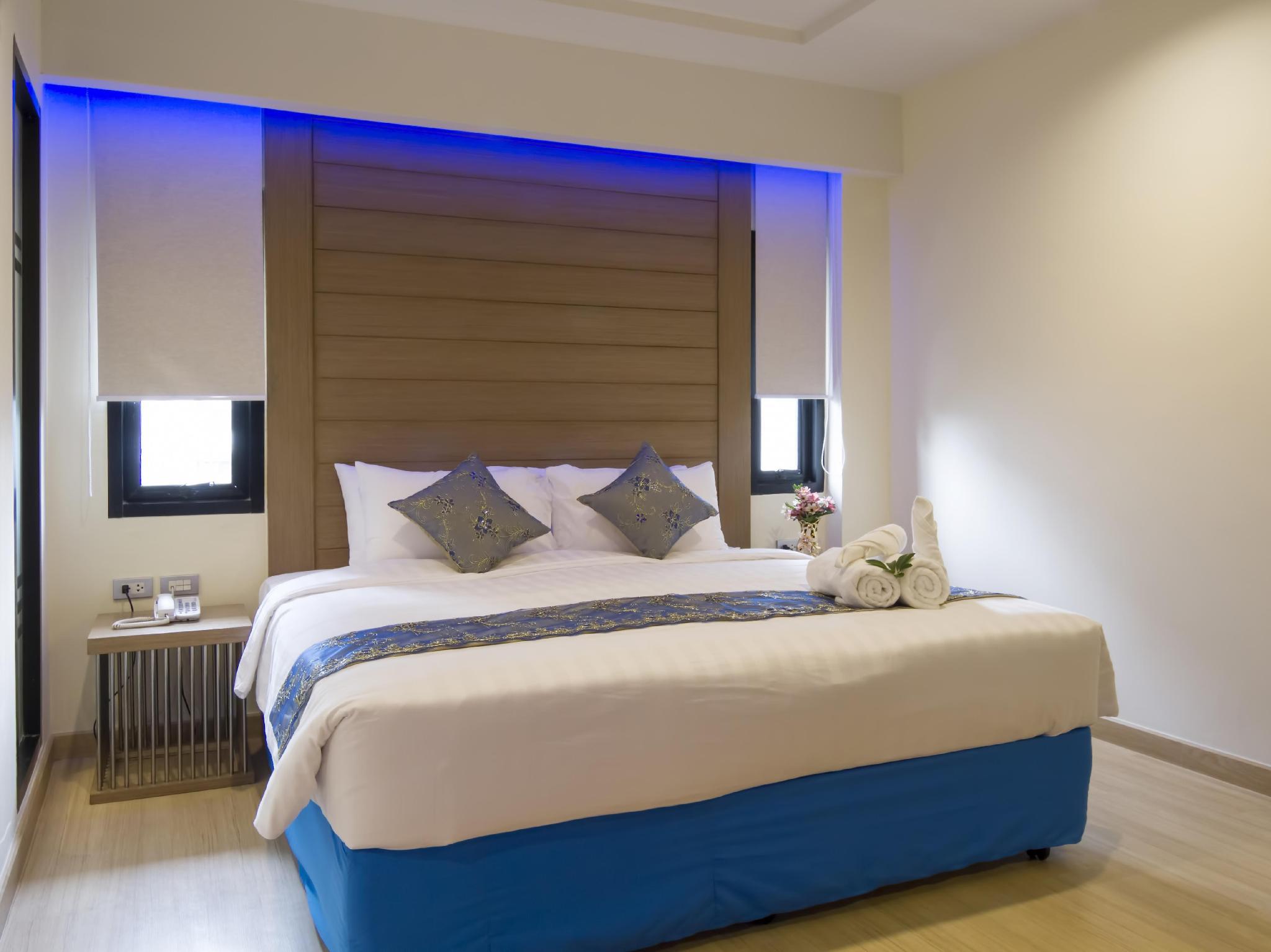 Eleven Avenue Suites4