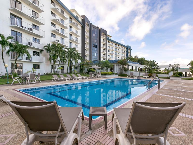 Oceanview Hotel & Residences Гуам - Фасада на хотела