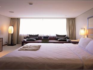 Sweetme Hotspring Resort - Room type photo