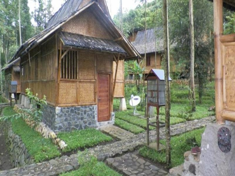 Villa Kampung Karuhun Sutan Raja - Hotels and Accommodation in Indonesia, Asia