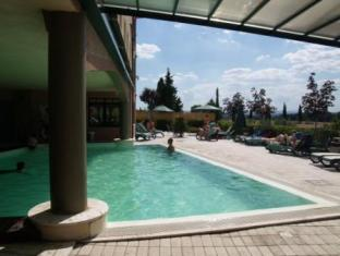 Montaperti  Hotel Siena - Swimming Pool