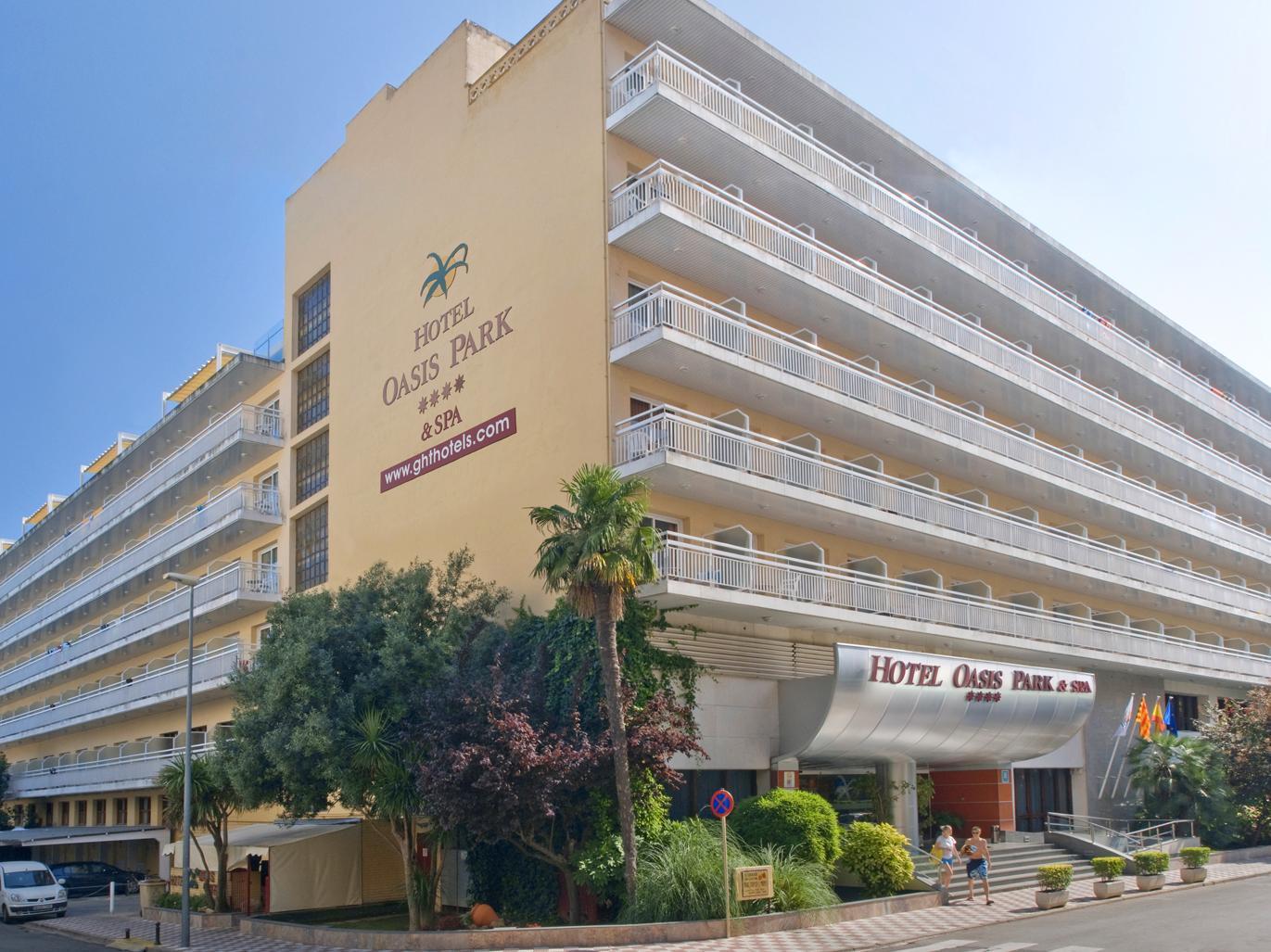 hotel oasis park lloret de mar beach lloret de mar spain great discounted rates. Black Bedroom Furniture Sets. Home Design Ideas