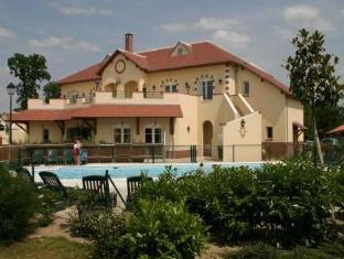 Hotel Les Portes de Sologne Golf and Spa