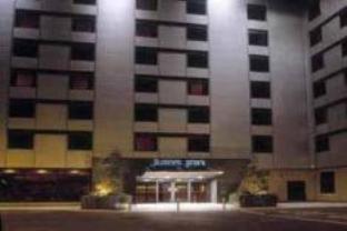ジュリース イン ホテルの外観