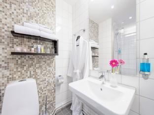 Mercure Hotel Stockholm South Stockholm - Bathroom