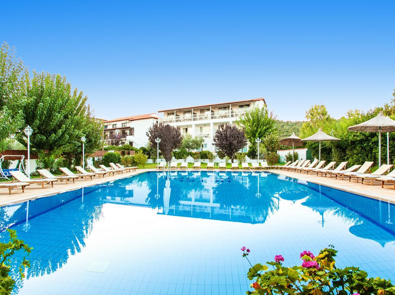 Stellina hotel skiathos town skiathos island greece for Skiathos hotels