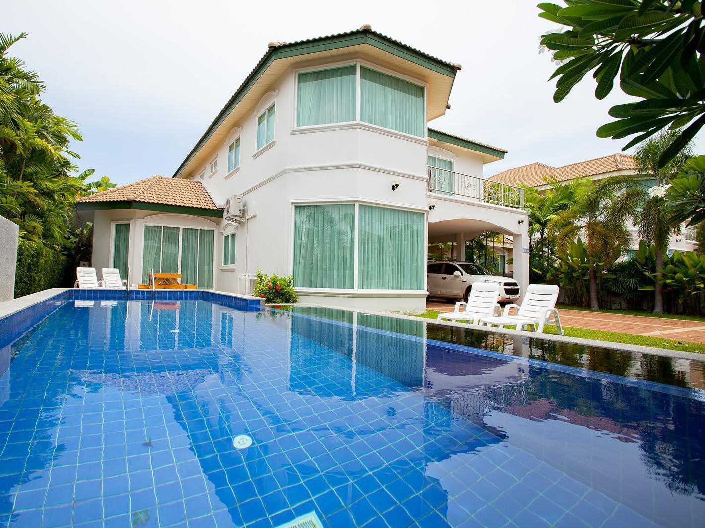 Wonderland Pool Villa