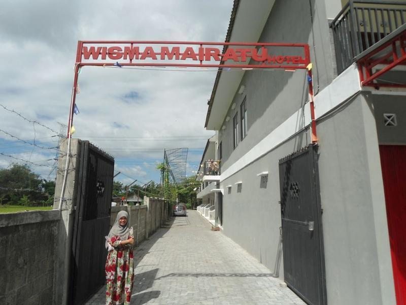 Wisma Keluarga Mairatu - Hotels and Accommodation in Indonesia, Asia