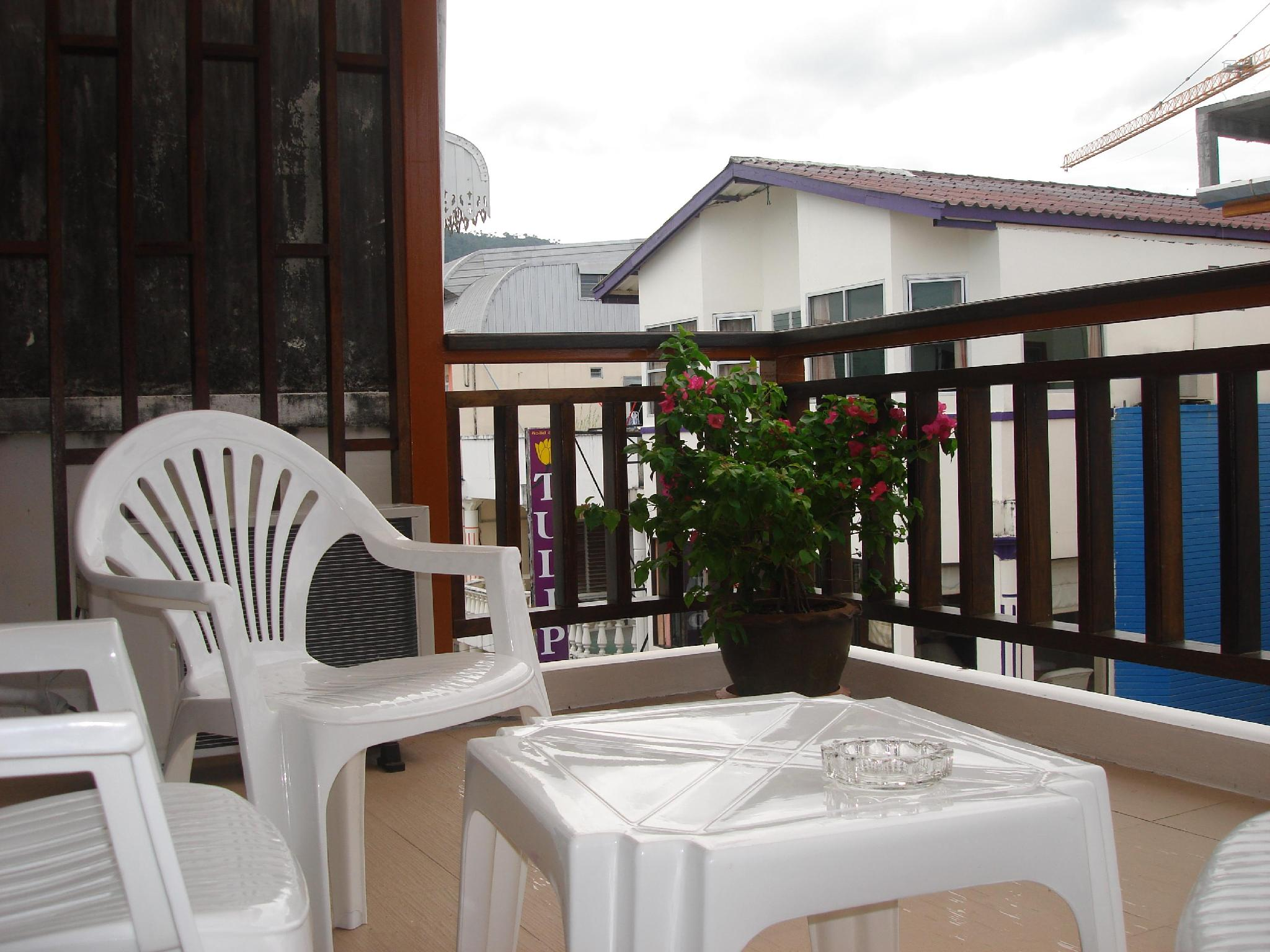 Tropicoza Guesthouse