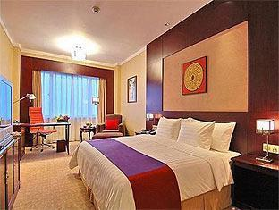 Crowne Plaza Shanghai Pudong Hotel - Room type photo