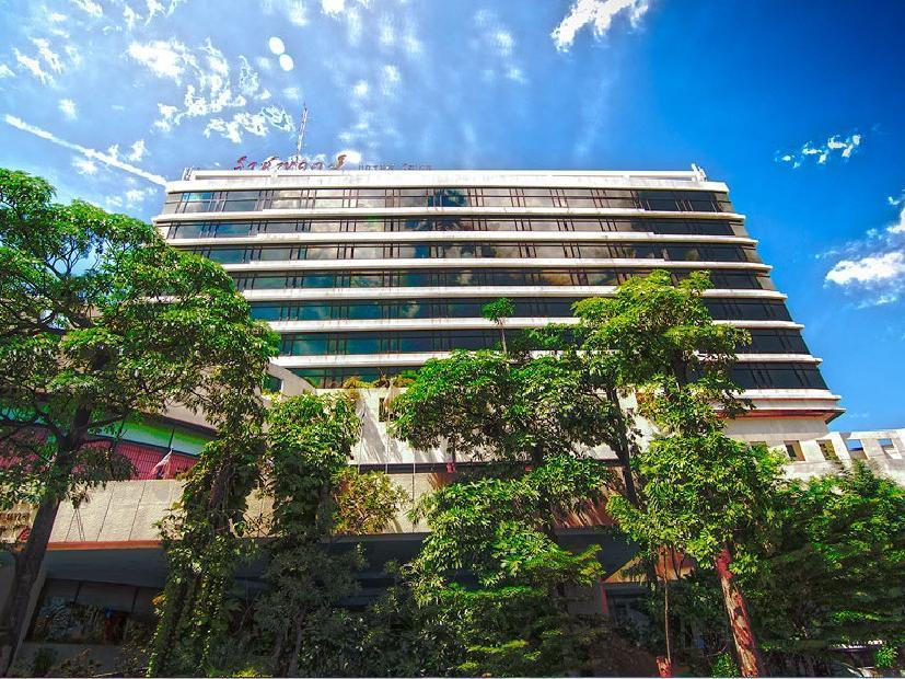 Hotell Rachaphruk Grand Hotel i , Khao Yai / Nakhonratchasima. Klicka för att läsa mer och skicka bokningsförfrågan