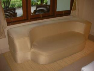 Febri's Hotel & Spa Bali - Settee
