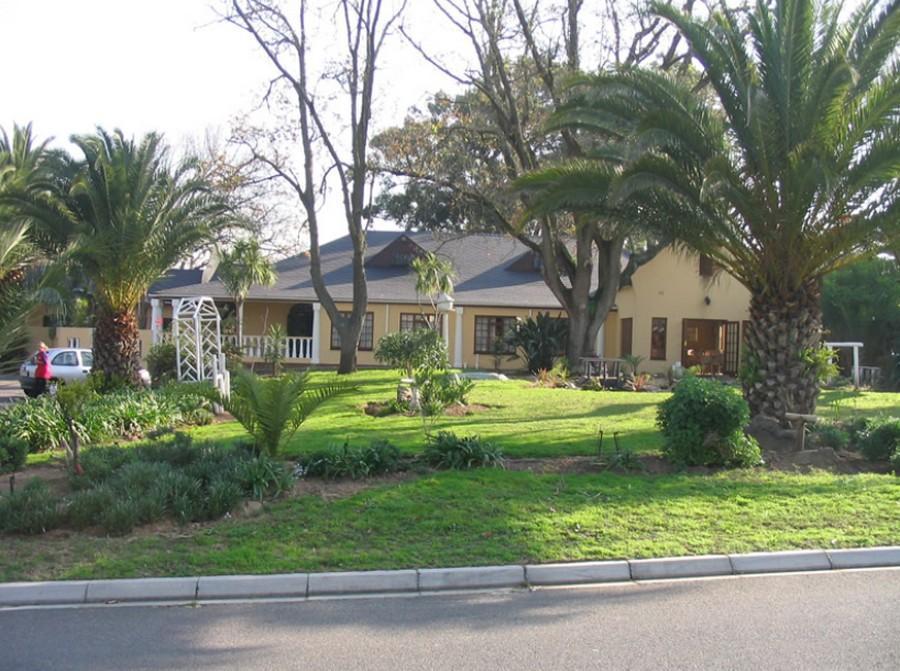 Mushet Manor Guest House