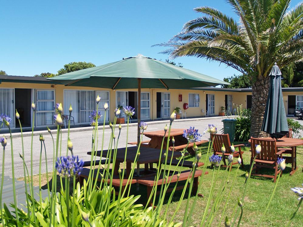 Charles Court Motel - Hotels and Accommodation in New Zealand, Pacific Ocean And Australia