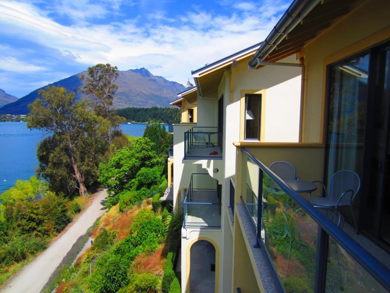 Villa Del Lago Hotel - Hotels and Accommodation in New Zealand, Pacific Ocean And Australia