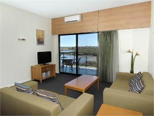 Assured Ascot Quays Apartment Hotel - More photos