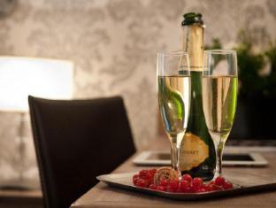 Hotel Monceau Wagram Paris - Guest Room