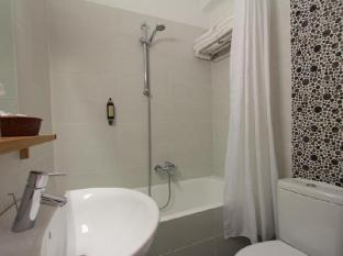 Pan Hotel Athens - Bathroom