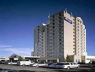 Comfort Hotel Airport North Toronto - Hotellin ulkopuoli