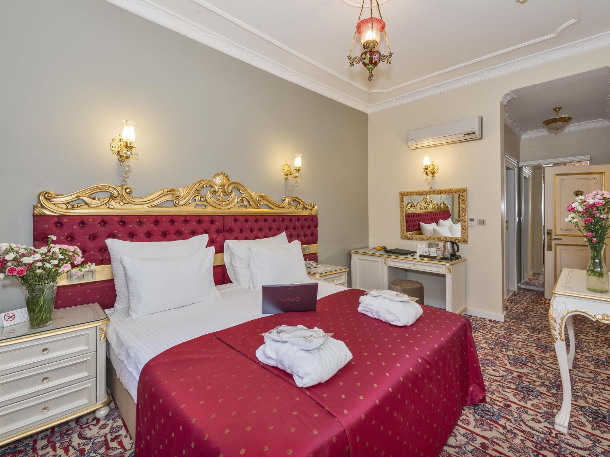 By Murat Crown Hotels Asmalimescit
