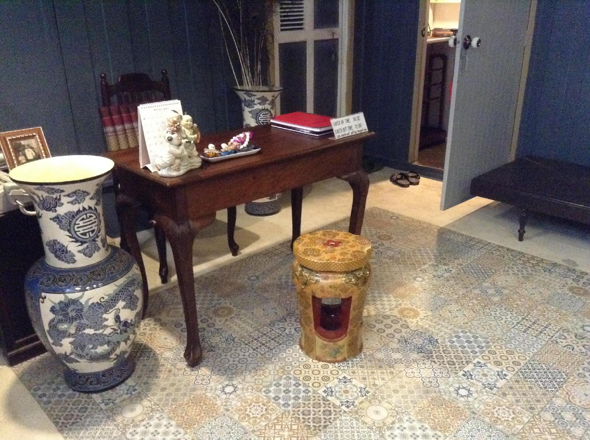 Siri Suvan @ Rambuttri Guest House