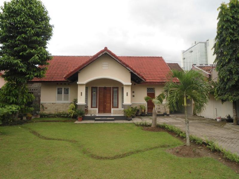 Dolphin House Yogyakarta - Yogyakarta