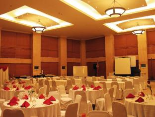 Crown Regency Suites And Residences - Mactan Mactan Island - Ballroom