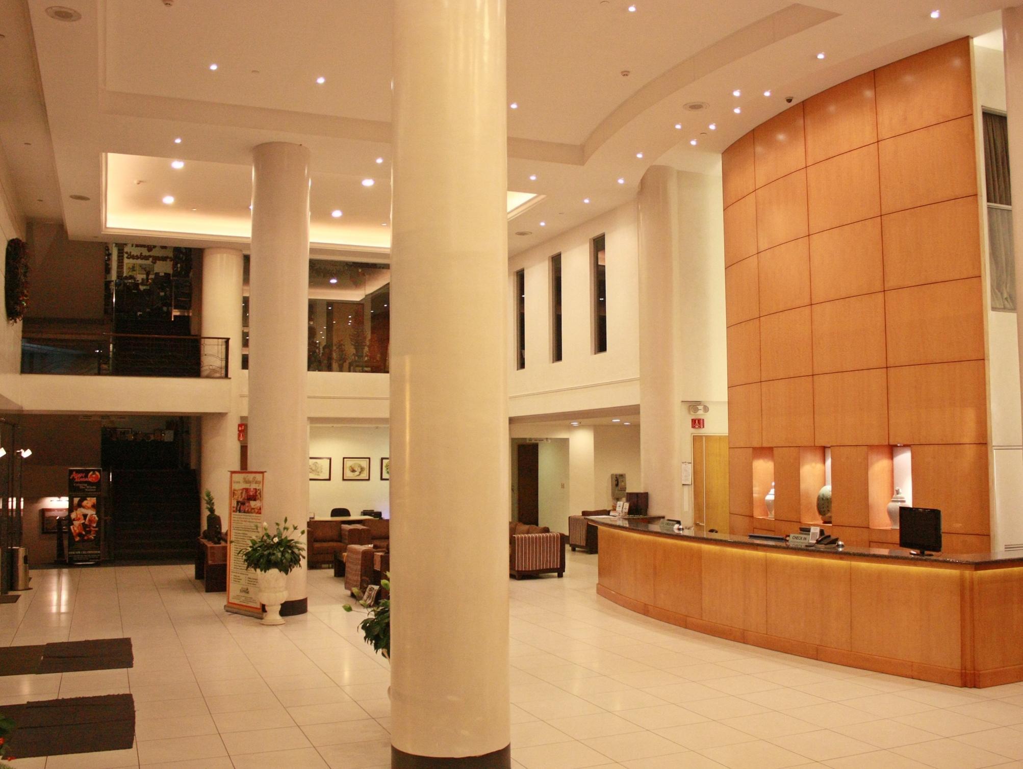 Hotel Supreme Convention Plaza