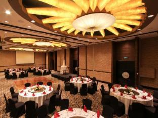 The Bellevue Manila Manila - Ballroom