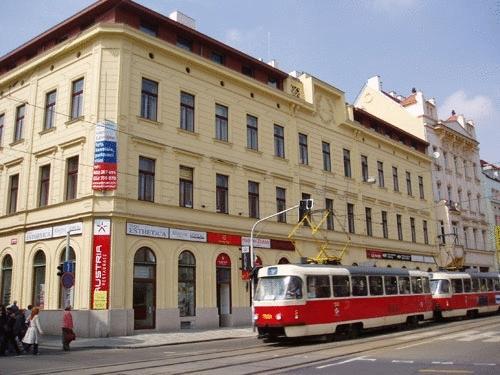 Aparthotel Austria Suites Praga - Hotel z zewnątrz