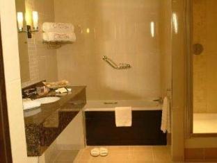 Carlton Hotel Dublin Airport Dublin - Bathroom