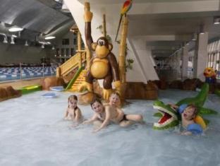 Kalev Spa Hotel And Waterpark تالين - حمام السباحة