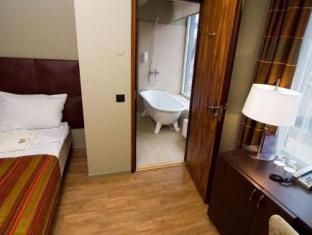 Kalev Spa Hotel And Waterpark تالين - غرفة الضيوف