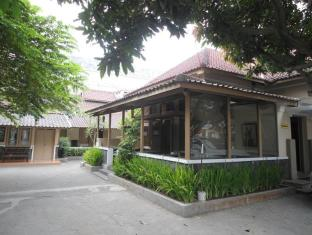 Ndalem Suratin Guesthouse