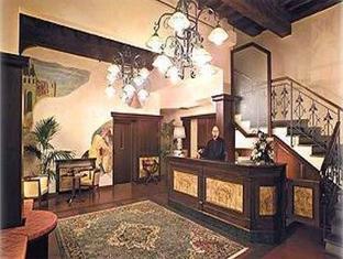 Hotel De Lanzi