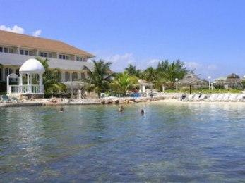 Club Ambiance - Hotels and Accommodation in Jamaica, Central America And Caribbean