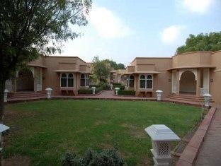 Heritage Resort Bikaner - Garden