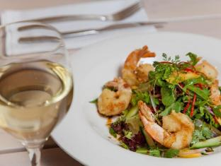 Comfort Inn Haven Marina Hotel Adelaide - Food, drink and entertainment