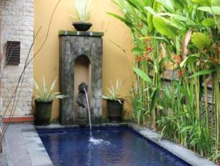 Diwangkara Holiday Villa Beach Resort & Spa Bali - Swimming Pool