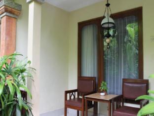 Diwangkara Holiday Villa Beach Resort & Spa Bali - Balcony/Terrace