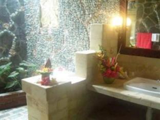 Rambutan Lovina Hotel Bali - Badezimmer