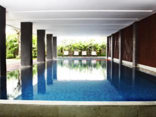 Mitra Hotel Bandung - Swimming pool