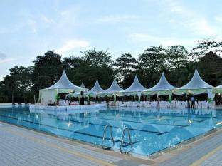 Le Grandeur Palm Resort Johor Johor Bahru - Olympic Size Swimming Pool