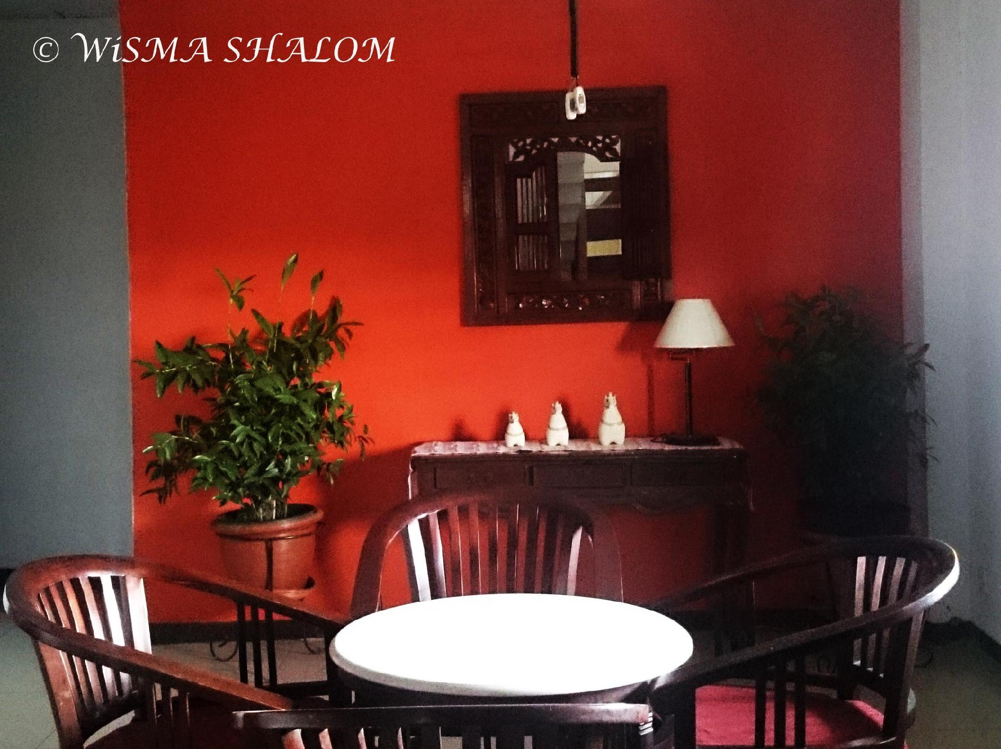 Wisma Shalom Guesthouse - Hotels and Accommodation in Indonesia, Asia