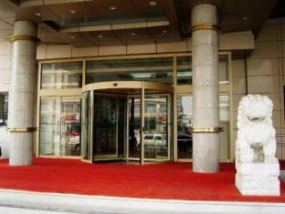 China Hotel Accommodation Cheap | Rich Hotel Beijing - Entrance